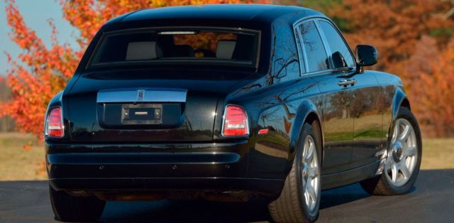 Rolls-Royce_Phantom-Donald_Trump-2