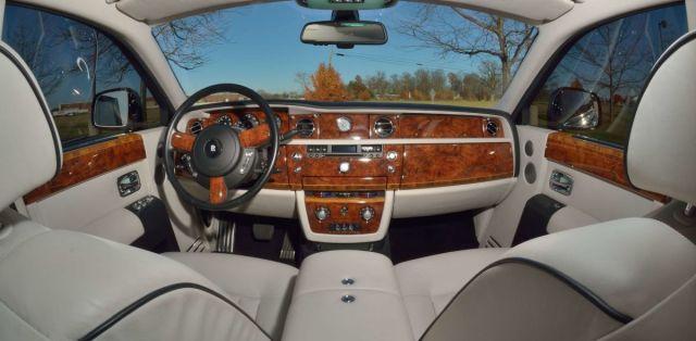 Rolls-Royce_Phantom-Donald_Trump-4