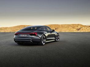 2021-Audi_RS_e-tron_GT-elektromobil- (2)