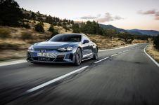 2021-Audi_e-tron_GT-elektromobil- (7)