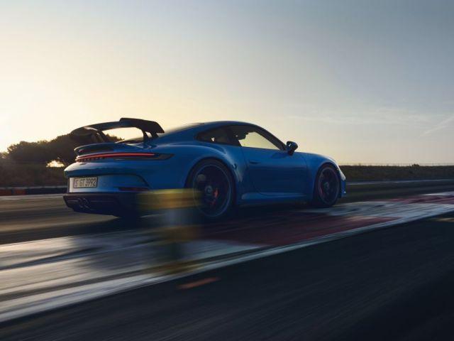 2021-Porsche_911_GT3- (11)