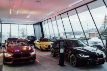 BMW_Sikora_Dealership-BMW_M-showroom- (4)