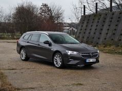Test-2021-Opel_Insignia_Sports_Tourer-20_CDTI_128_kW-8AT- (7)
