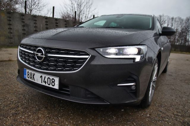 Test-2021-Opel_Insignia_Sports_Tourer-20_CDTI_128_kW-8AT- (9)