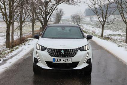 Test-2021-elektromobil-Peugeot_e-2008- (1)