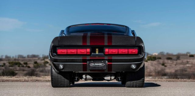 classic_recreations-1967-shelby_gt500cr_mustang-carbon_edition- (6)