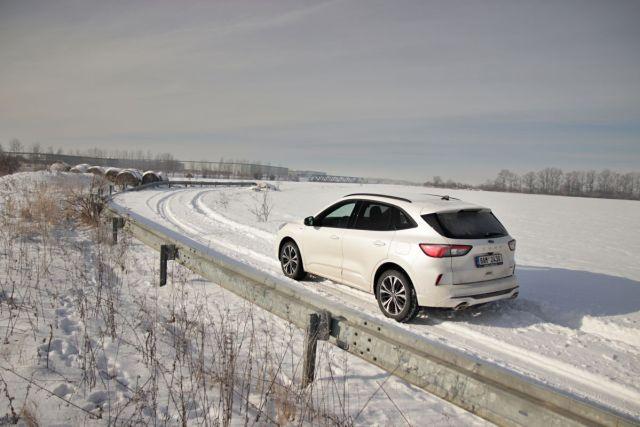 test-2021-hybrid-ford-kuga-hev- (20)