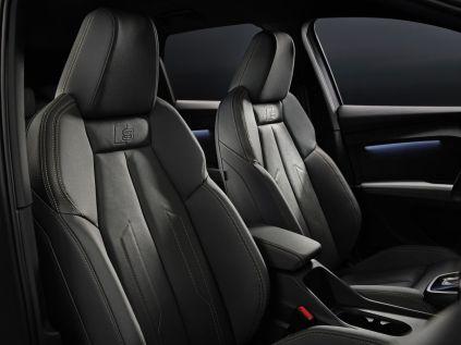 2022-elektromobil-Audi_Q4_e-tron- (19)