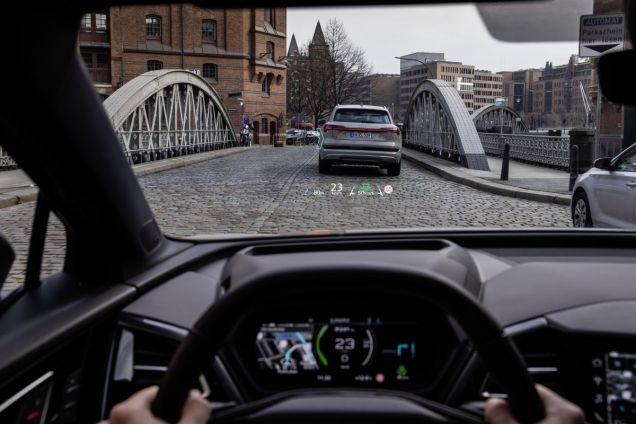2022-elektromobil-Audi_Q4_e-tron- (24)