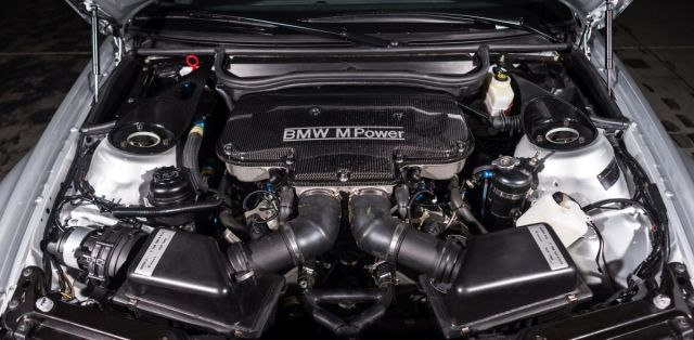 BMW_M3_GTR-E46-silnicni_verze- (6)