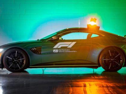 Safety_car-a-Medical_car-F1-Aston_Martin- (4)