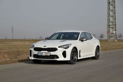 Test-2021-Kia_Stinger_GT-V6-33-T_GDI-AWD- (12)