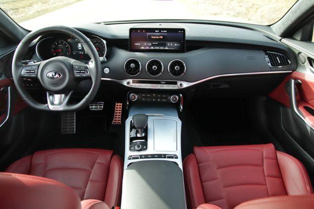 Test-2021-Kia_Stinger_GT-V6-33-T_GDI-AWD- (26)