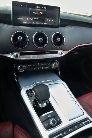 Test-2021-Kia_Stinger_GT-V6-33-T_GDI-AWD- (29)
