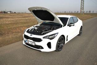 Test-2021-Kia_Stinger_GT-V6-33-T_GDI-AWD- (38)