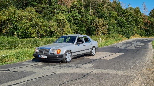 mercedes-benz_300e-w124-youngtimer