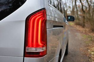 test-2021-elektromobil-mercedes-benz_eqv- (11)