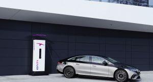 2021-elektromobil-mercedes_benz_eqs- (5)