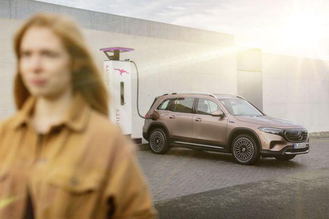 2021-elektromobil-Mercedes-Benz_EQB- (16)