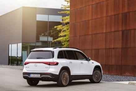 2021-elektromobil-Mercedes-Benz_EQB- (4)