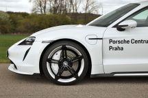 test-2021-elektromobil-porsche_taycan_turbo- (10)