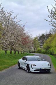 test-2021-elektromobil-porsche_taycan_turbo- (16)