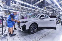 2021-07-zahajeni_vyroby-elektromobil-BMW_iX- (4)