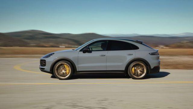 2021-Porsche_Cayenne_Turbo_GT- (2)