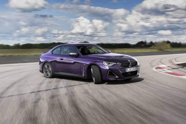 2022-BMW_M240i_xDrive_Coupe- (12)