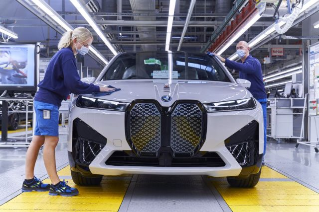 2021-07-zahajeni_vyroby-elektromobil-BMW_iX- (10)