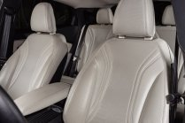2022-Ford-Mustang-Mach-E-edice-Frost-White- (6)