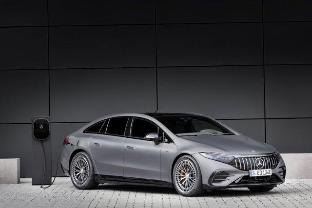 2021-Mercedes-AMG-EQS-53-4MATIC- (1)
