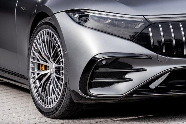 2021-Mercedes-AMG-EQS-53-4MATIC- (9)