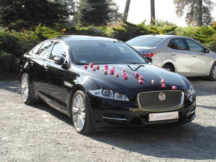 Dekoracja z naturalnych róży Jaguar XJ
