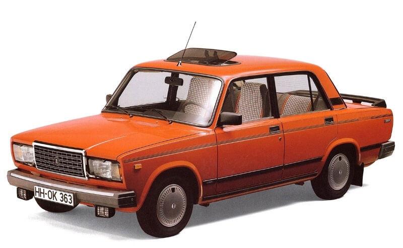 Трехобъемный кузов автомобиля ВАЗ-2107
