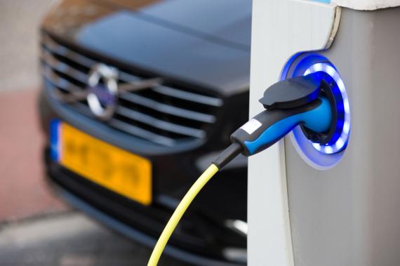 MultiTankcard en ANWB presenteren nieuwe mobiliteitspas voor elektrische voertuigen