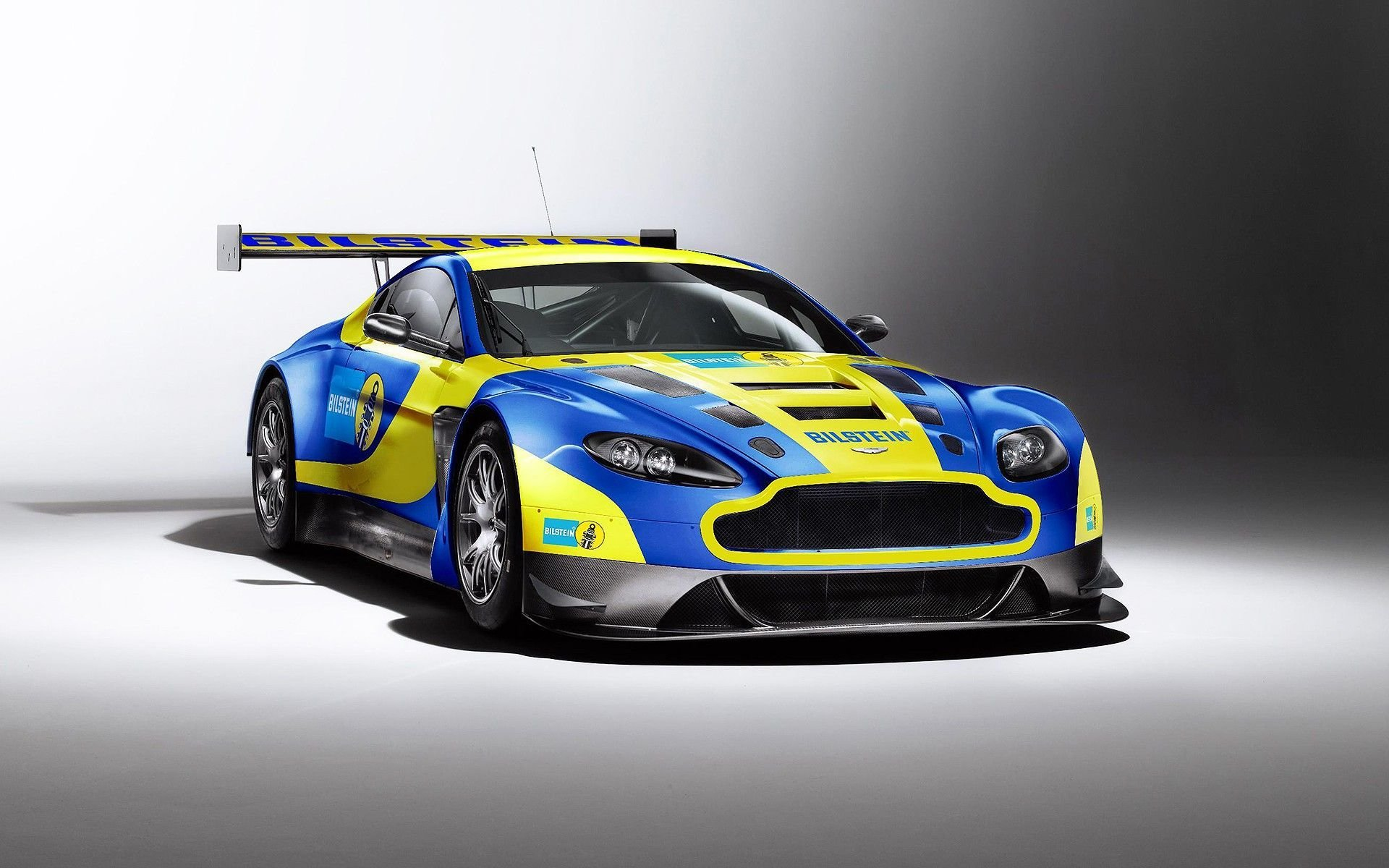 Latest Free Download Aston Martin Racing V12 Vantage Gt3 Full Hd Free Download