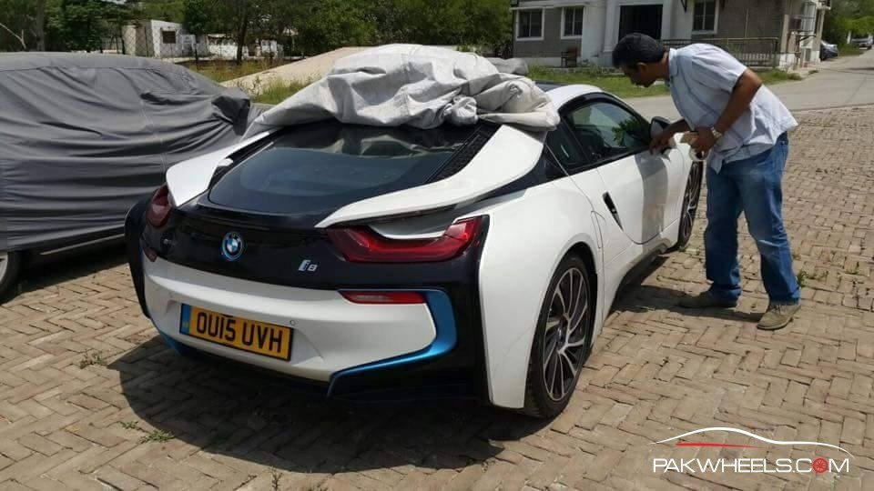 Latest Exclusive Photos First Bmw I8 In Pakistan Pakwheels Blog Free Download