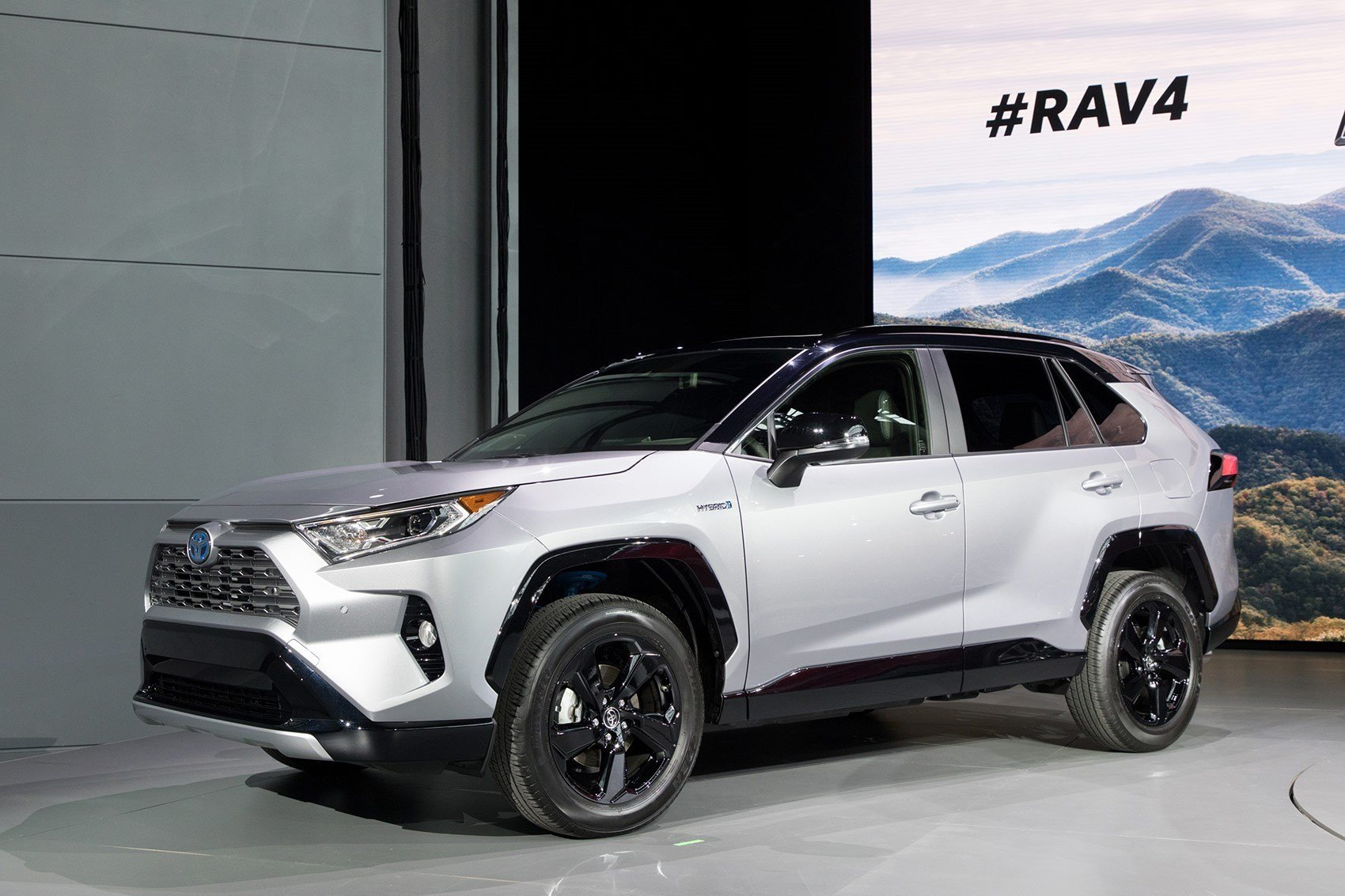 Latest All New Toyota Rav4 Revealed In New York Car Magazine Free Download