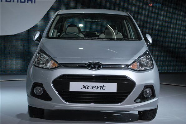 Latest Hyundai Xcent Photos Images And Wallpapers Colours Free Download