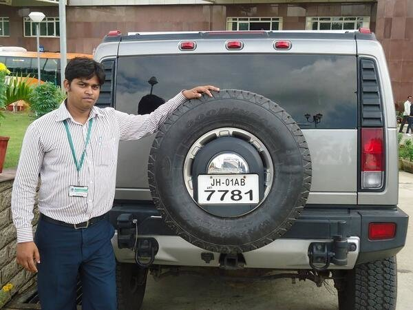 Latest Ranchi Jharkhand On Twitter Thats Dhoni S Car Hummer Free Download