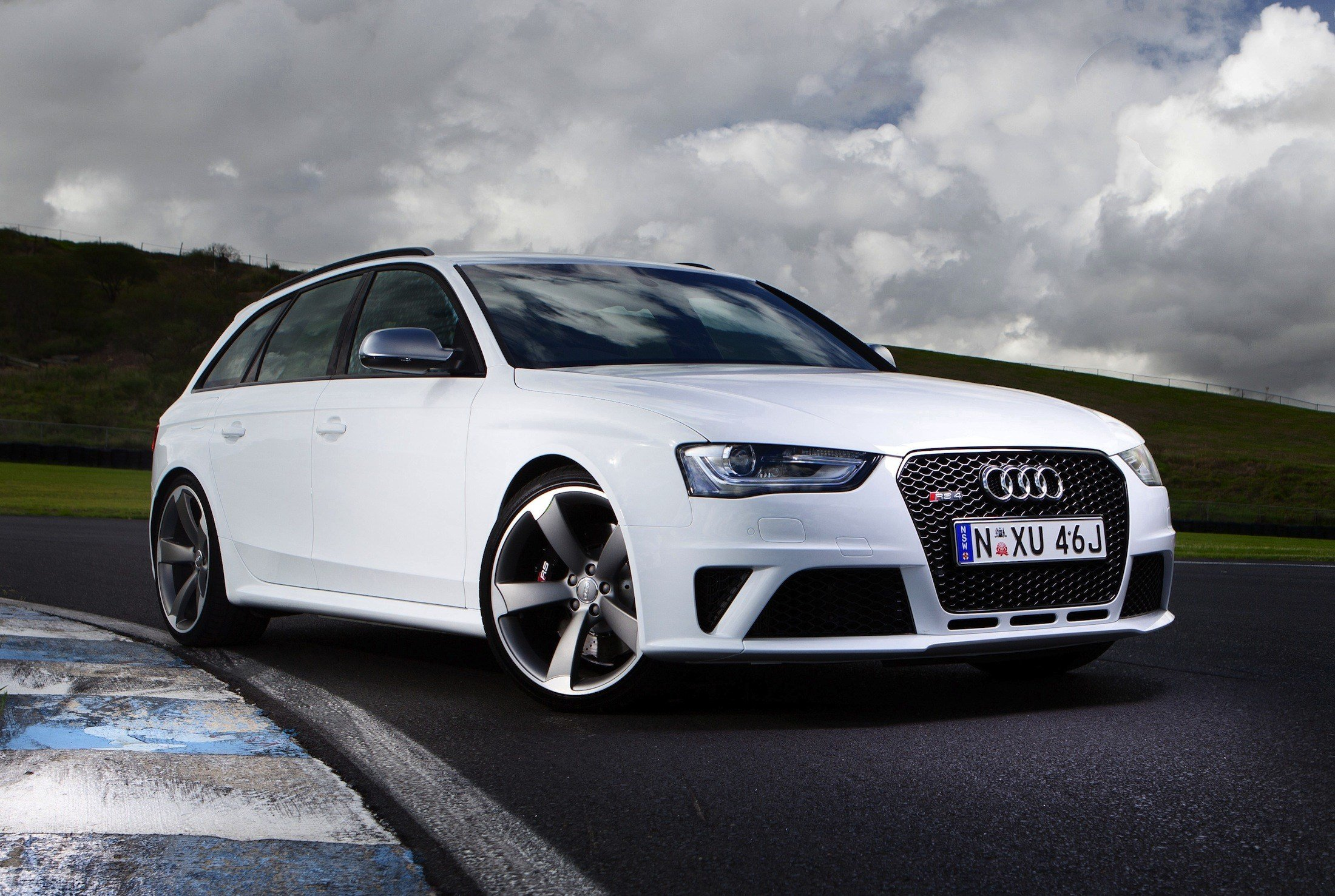 Latest Audi Rs4 Avant Gallery Photos Caradvice Free Download