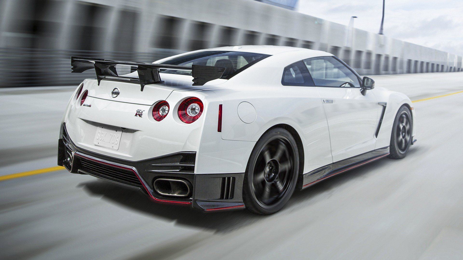 Latest 2015 Nissan Gt R Nismo Us Wallpapers And Hd Images Free Download