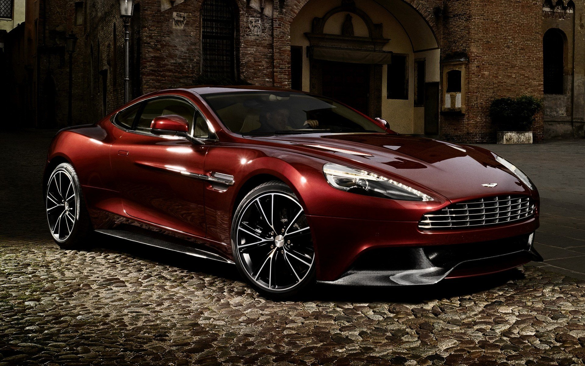 Latest 2012 Aston Martin Vanquish Wallpapers And Hd Images Free Download