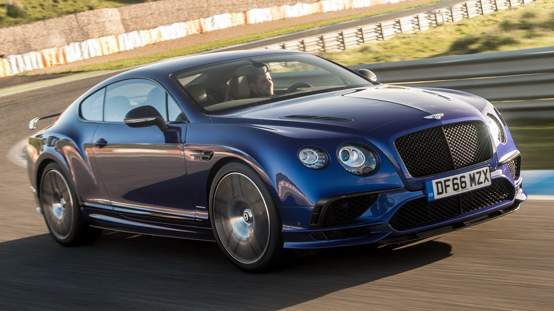 Latest 2017 Bentley Continental Supersports Wallpapers And Hd Free Download