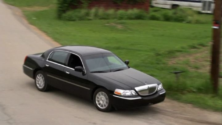 Latest Imcdb Org 2003 Lincoln Town Car In Justified 2010 2015 Free Download