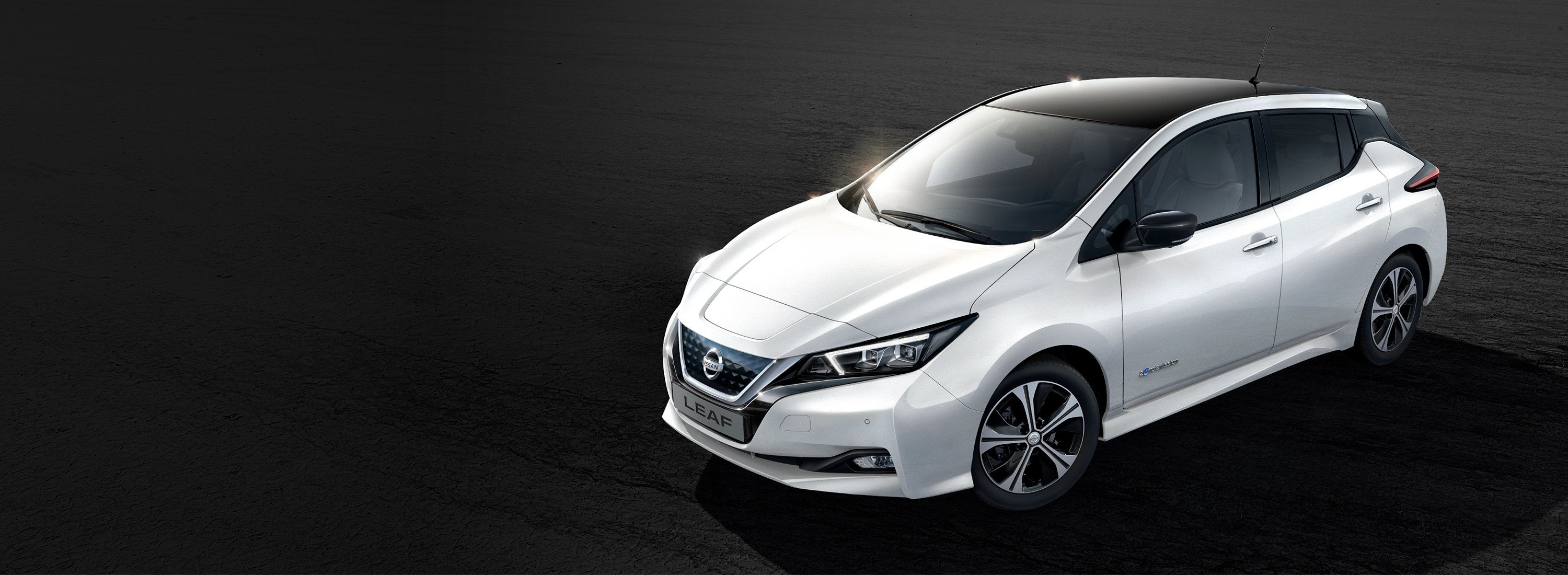 Latest Simply Amazing New Nissan Leaf 100 Electric Car Nissan Free Download