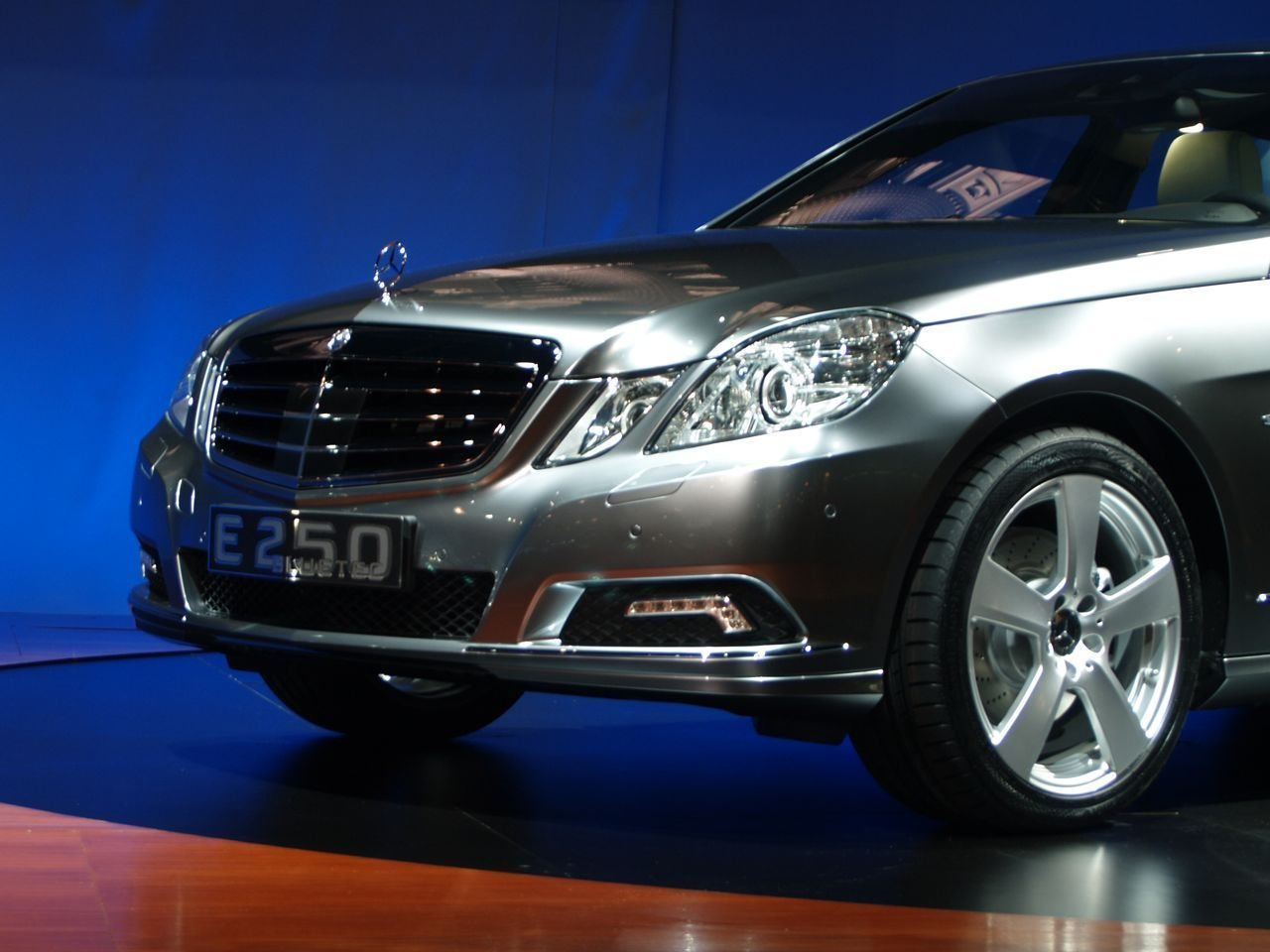 Latest Cars Mercedes Benz E250 Picture Nr 32300 Free Download