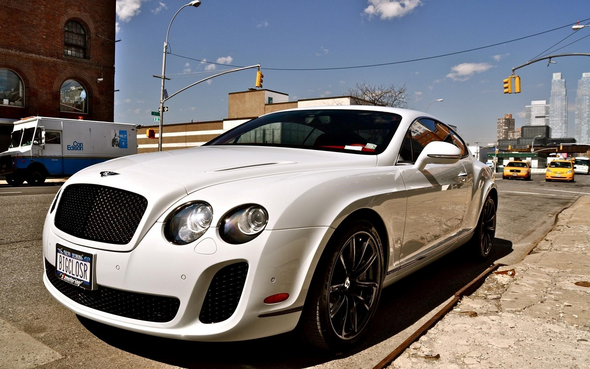 Latest White Bentley Car Wallpaper Hd Wallpapers Chainimage Free Download