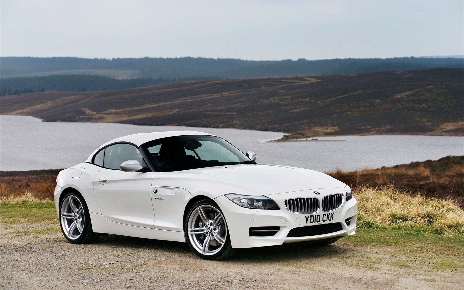 Latest White Bmw Z4 In 2011 Car Hd Wallpapers Free Download